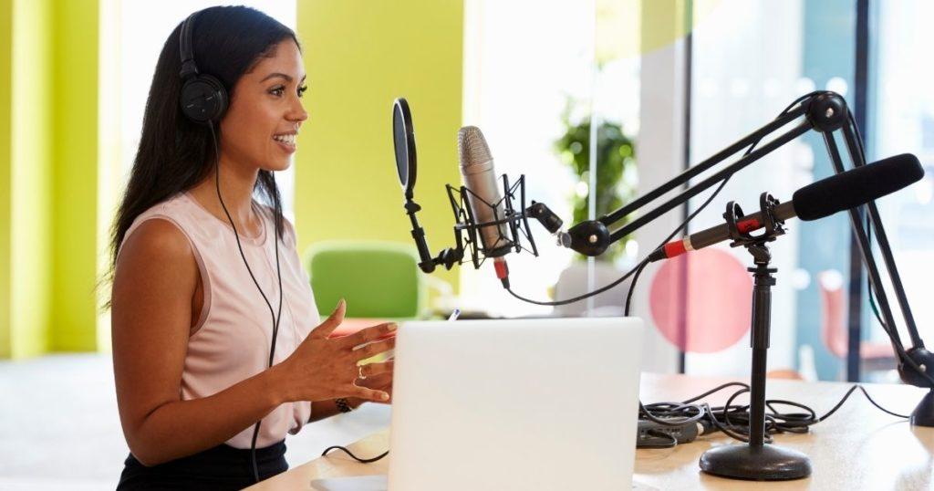 wie du deinen eigene podcast startest